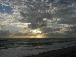 Рассвет над океаном. Сонгкла..JPG