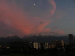 Алматы. Закат над горами..JPG